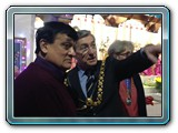 Rasik(bhai),  Chairman of the temple  & Lord Mayor, Alastair Watson